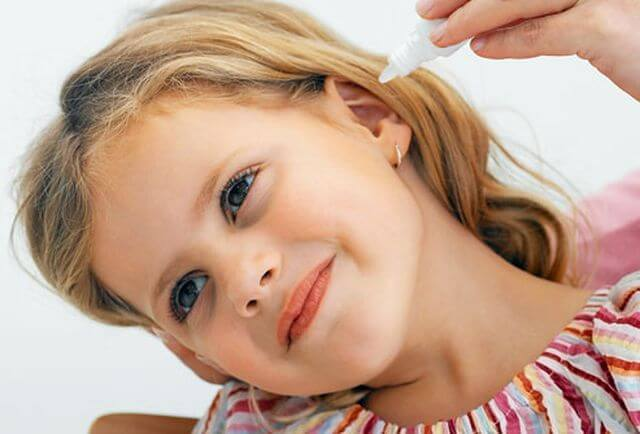 Sharp ear pain in children