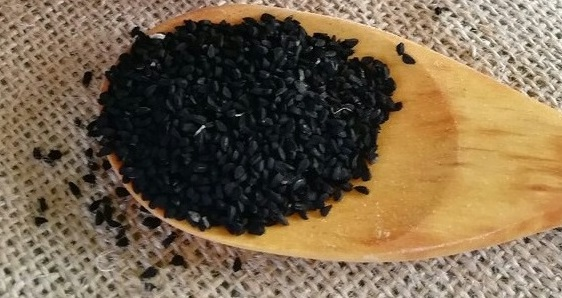 How to apply seeds and oil of black cumin